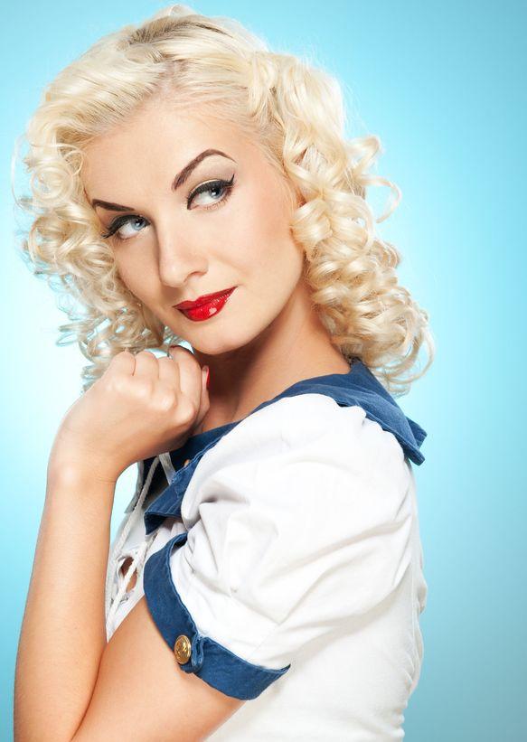 Blonde Pin-Up Beauty